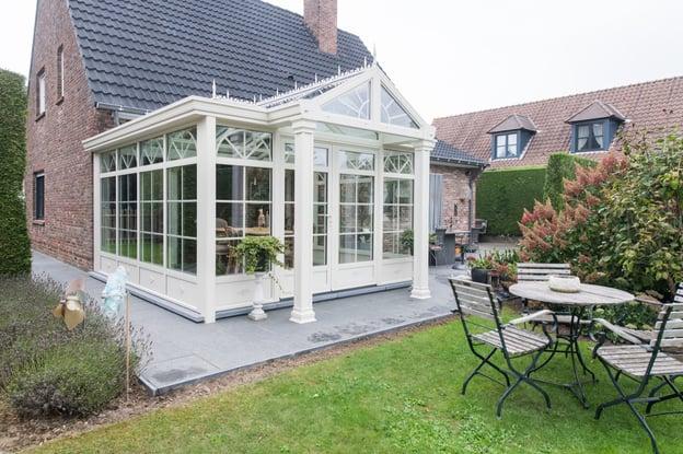 traditionele stijl tuinkamer